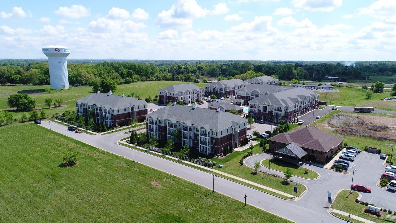 Mount Victor Olde Towne apartments Bowling Green KY overview of complex